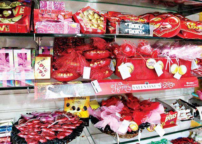 Valentine Week : प्यार से प्यार को कहिए, कुछ मीठा हो जाए