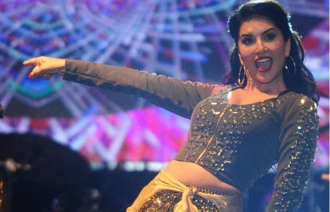 Noida 'LIKE' Scam:सनी लियोनी का आया नाम, हो सकती है पूछताछ!
