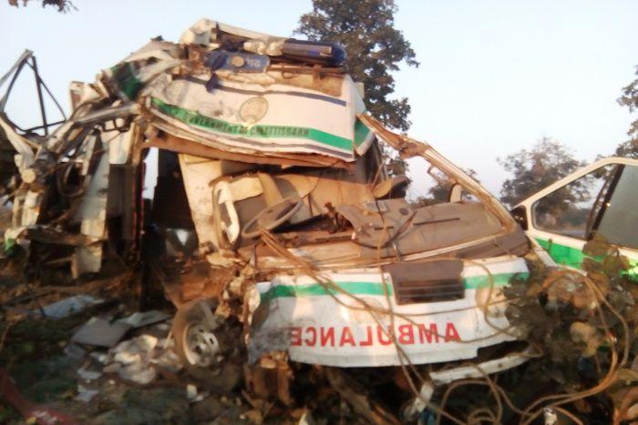 लुटेरों के चंगुल से छूटे तो सड़क हादसे में चली गई पति-पत्नी समेत 3 की जान
