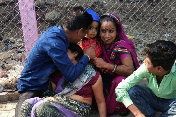 ससुर ने पुलिस में की झूठी शिकायत, बहू ने थाने के बाहर खाया जहर