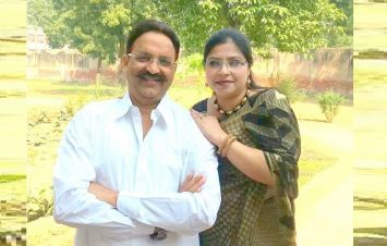 बाहुबली मोख्तार की पत्नी ने दो सीटों से किया नामांकन