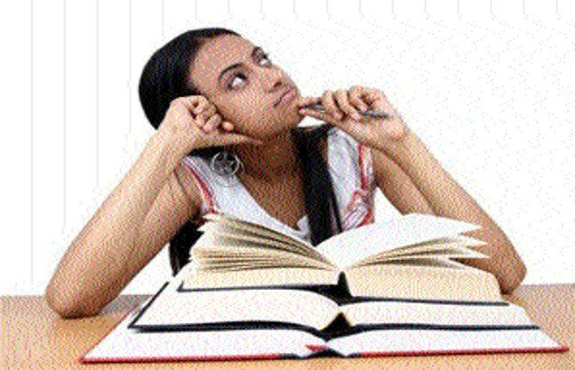 विद्यार्थियों के तनाव दूर के लिए हेल्पलाइन शुरू