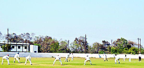 पहली पारी में डब्ल्यूसीए ने बनाए 293 रन