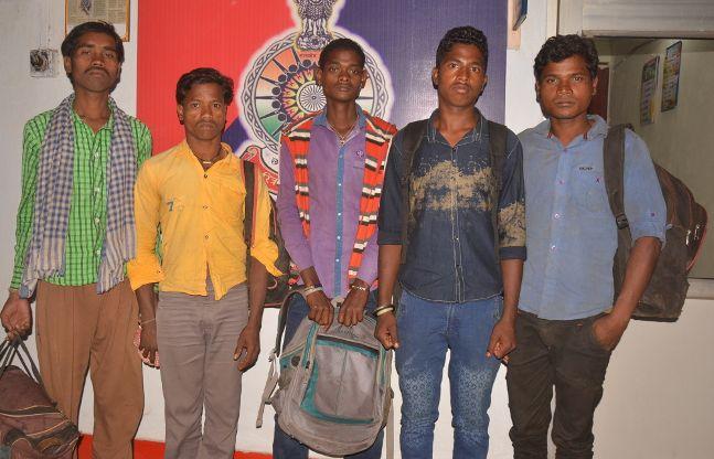 लेमरू से पांच मजदूरों को राजस्थान ले जा रहा दलाल पकड़ाया
