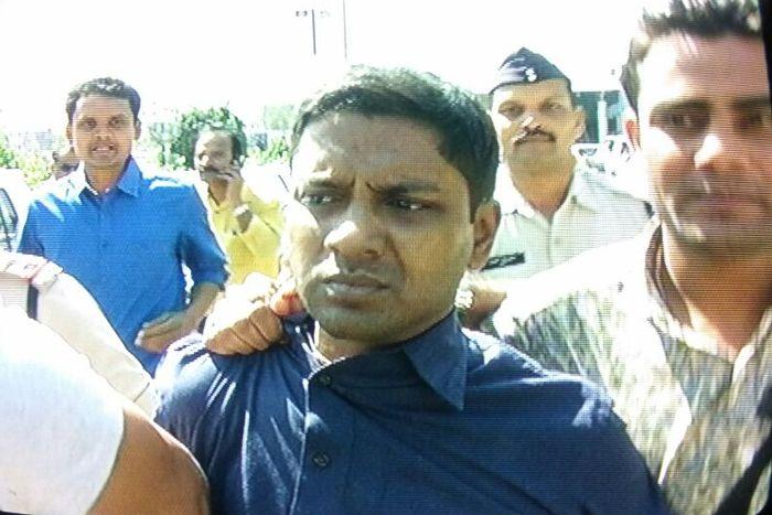 उदयन ने पुलिस को एेसा क्या बयान दिया, बैंक अफसरों को करना पड़ा तलब