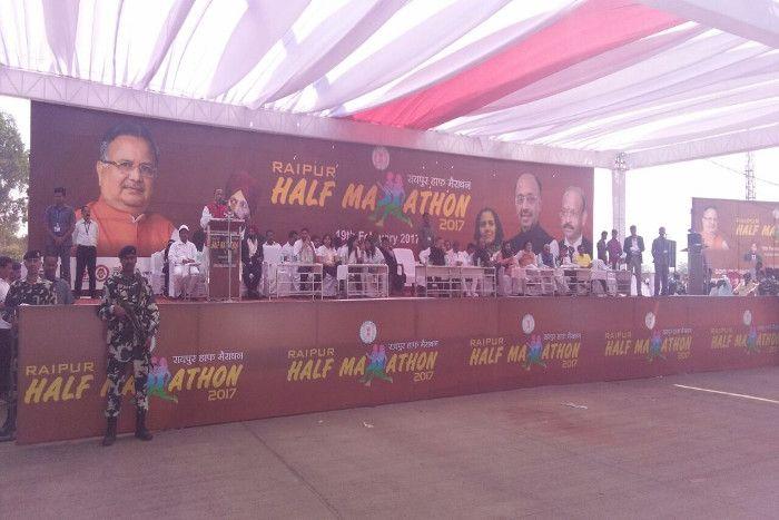 रायपुर हाफ मैराथन में दौड़े 20 हजार प्रतिभागी, राजनांदगांव के मुकेश्वर बने विजेता