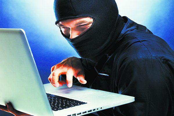 आपकी प्रायवेसी को खतरा,एप डाउनलोड करते समय चोरी हो सकता है डाटा