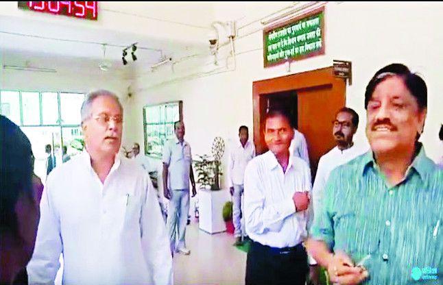 पेंड्रावन पर बघेल और IAS मिश्रा में बहस, भूपेश ने कहा- सही जानकारी दीजिए