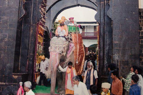 चीनी लोगों से मंगवाते थे खास रेशम, ऐसे थे इन राजा के ठाठ