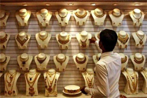 आयकर विभाग ने कसा शिकंजा,नोटबंदी के बादज्वैलर्स ने बेचा 500 करोड़ का सोना