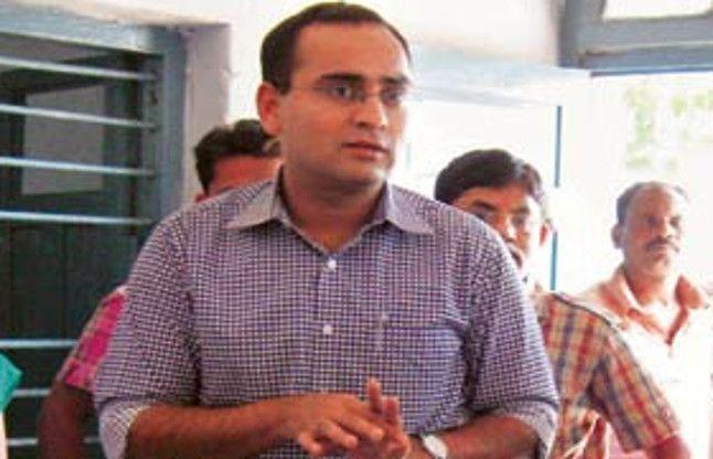 IAS रजत कुमार की जिंदगी के संघर्षों के बारे में जानकर आप भी करेंगे सलाम