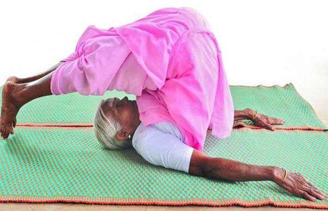 यह है देश की सबसे बुजुर्ग योग प्रशिक्षक, 98 वर्ष की उम्र में भी है फिट