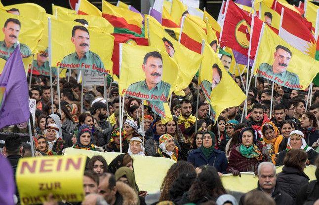 जर्मनी में 30,000 कुर्दों ने एर्दोगन के खिलाफ किया प्रदर्शन