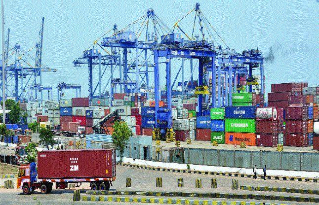 तीसरे दिन भी जारी रही बंदरगाह पर छापेमारी