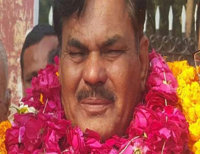 योगी राज के पहले ही दिन बसपा के मुस्लिम नेता की हत्या, इलाहाबाद में तनाव