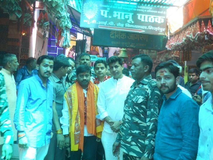 कैबिनेट मंत्री नंद गोपाल नंदी ने किया विंध्याचल मंदिर में दर्शन-पूजन