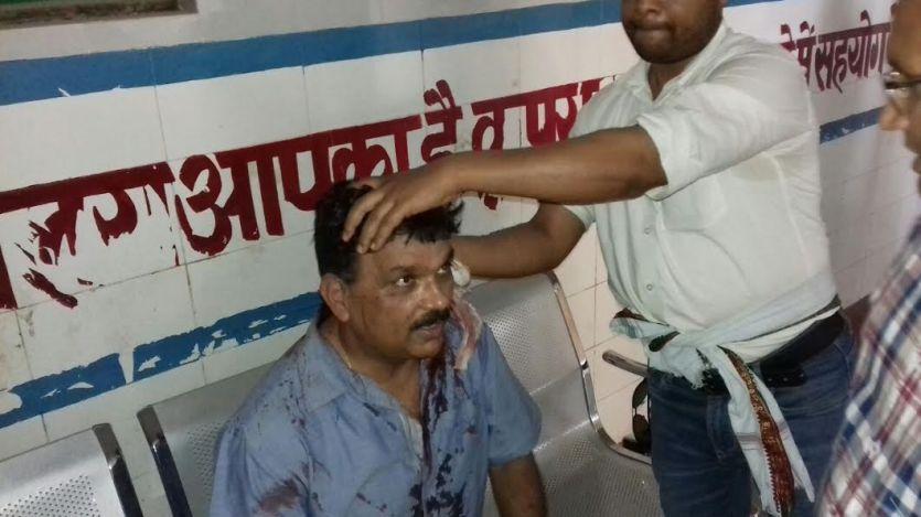 Breaking जौनपुर में हुआ खूनी संघर्ष: कई लोग घायल, मौके पर पुलिस तैनात