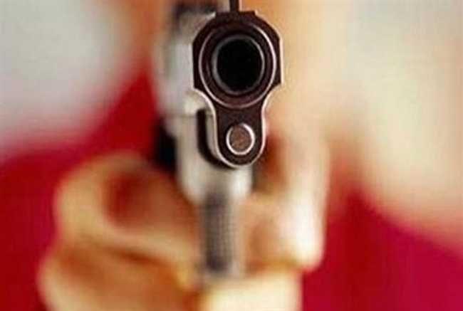 आजमगढ में जमीनी विवाद में दलित दो सगे भाइयों को मारी गोली, हालत गंभीर