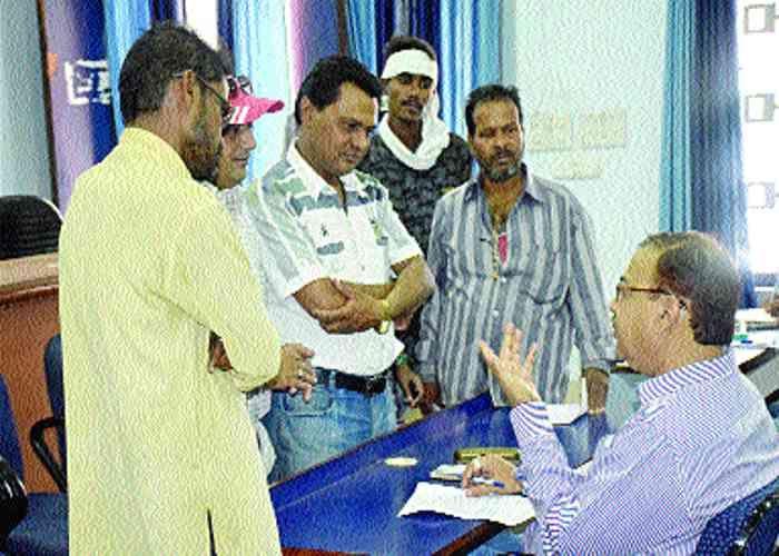 गजब की कारस्तानी, निगम कर्मी ने 20 हजार लिए, जमा नहीं किए
