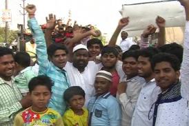 यहां रामनवमी पर मुस्लिमों ने बांटी ठंडाई और प्रसाद, देखें वीडियो