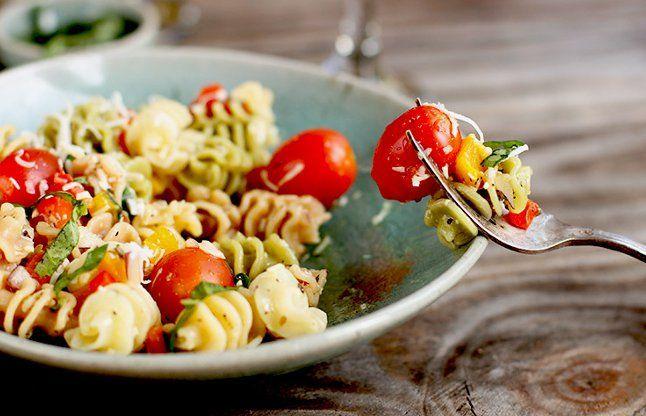 पास्ता के शौकीन लोगों को पसंद आ सकता है ये सलाद