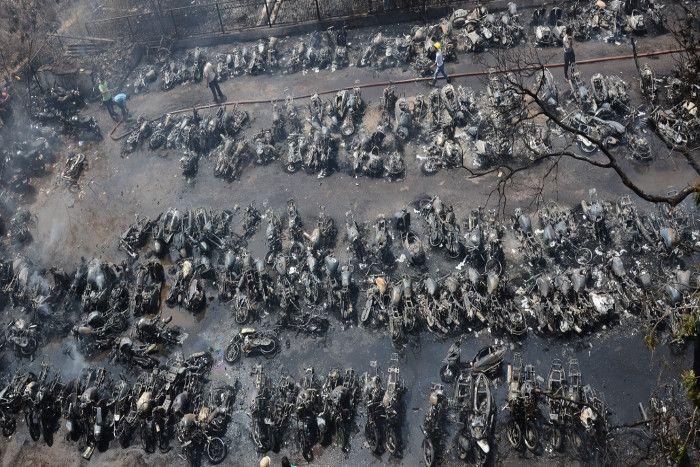 रेलवे पार्किंग में भीषण आग, 210 बाइक खाक, DRM बोले- रेलवे नहीं देगा हर्जाना