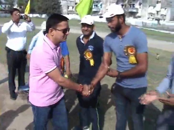 वॉलीबाल और बास्केटबॉल प्रतियोगिता: वाराणसी की टीम ने चंदौली को हराया