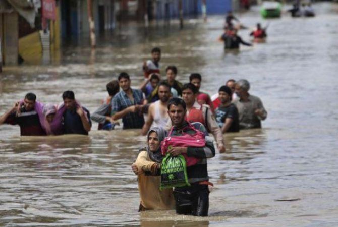बाढ़ से ईरान के 33 शहर जलमग्न, 25 लोगों की मौत