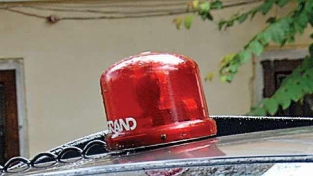 कई सीएम और मंत्रियों ने अपने वाहनों से उतारीं लालबत्ती, जानिए क्यों