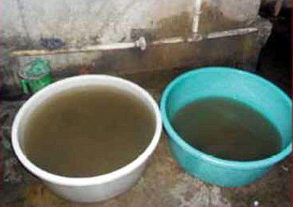 केजेएस सीमेंट प्रबंधन ने टमस नदी में छोड़ा प्रदूषित पानी,एसडीएम ने थमाया नोटिस