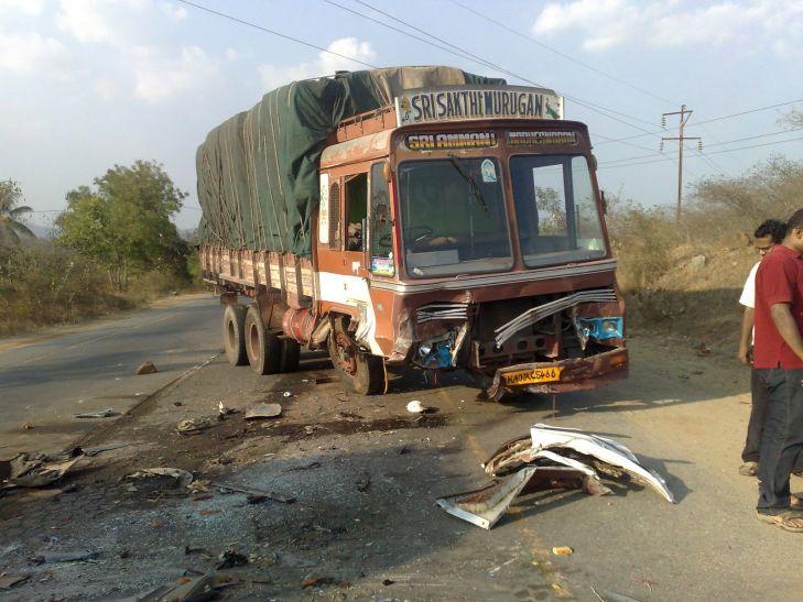 तिरुपति : प्रदर्शनकारी किसानों को ट्रक ने रौदा, 20 लोगों की मौत