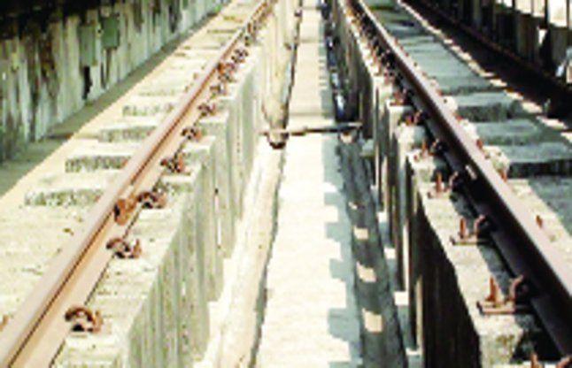 वलसाड की 5 ट्रेनों का मेन्टेनेन्स सूरत में