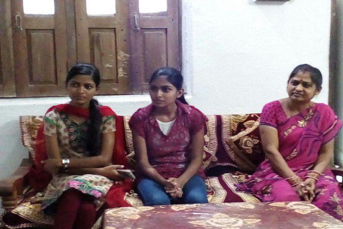 #cg10thresult:रोज सात घंटे पढऩे वाली श्रेष्ठा को गणित और सोशल साइंस में सौ में सौ अंक