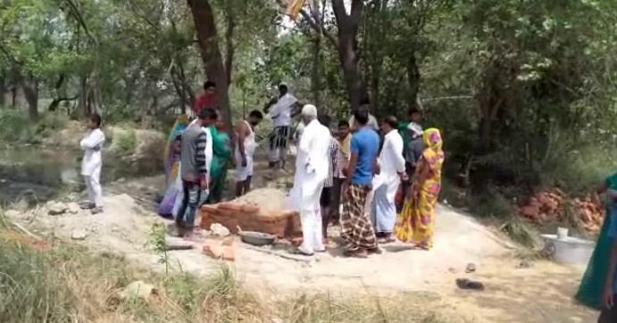 कब्रिस्तान के विवाद को लेकर दो समुदाय के बीच संघर्ष, दर्जन भर से अधिक घायल