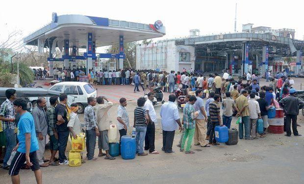 लाइन लगने से छुटकारा, अब घर-घर पेट्रोल-डीजल पहुंचाएगी मोदी सरकार