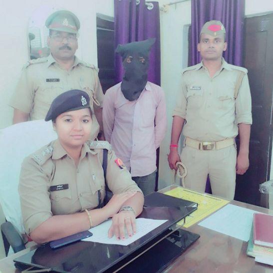 WhatsApp पर किया आपत्तिजनक पोस्ट, पुलिस ने भेजा जेल