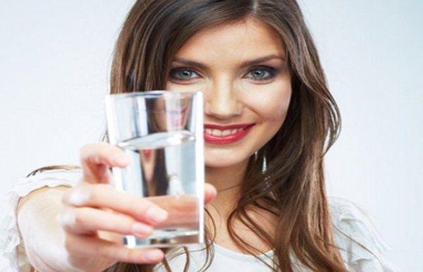 बिना प्यास पानी पीने से बढ़ती है एकाग्रता
