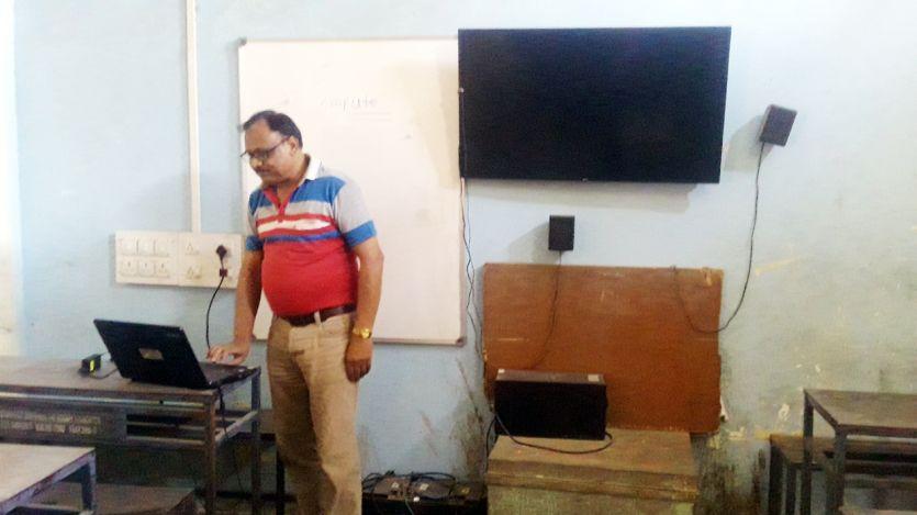 27 स्कूलों में अब स्मार्ट क्लास