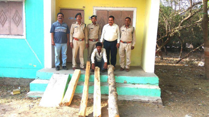 रामपुरा गांव में वन अमले पर कुल्हाड़ी से हमला, दो कर्मचारी घायल