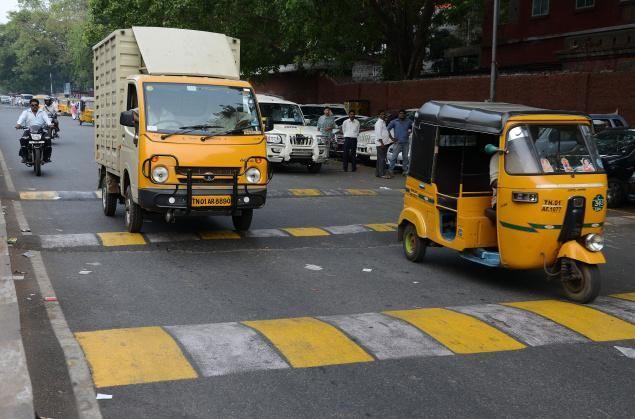 school Bus , जीपीएस लगवाने की रफ्तार धीमी, आंकड़ा 600 पर अटका