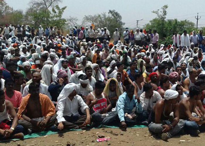 108 एंबुलेंस की हड़ताल छठे दिन भी जारी, एक कर्मचारी चक्कर खाकर बेहोश