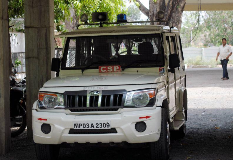 मुख्यमंत्री का उडऩ खटोला देख अधिकारियों की गाडिय़ों से उतरी बत्तियां