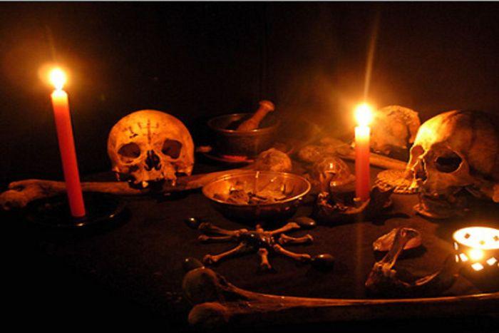 झाड़-फूंक के चक्कर में उलझे रहे माता-पिता, मासूम बेटी की हो गई मौत