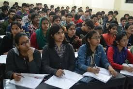कॉलेज की छात्राओं को कन्वेन्स के लिए रोजाना मिला करेंगे पांच रुपए