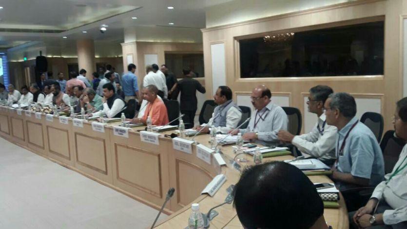 नक्सलियों के खिलाफ दिल्ली में हुई बैठक, एमपी के गृह मंत्री भी हुए शामिल