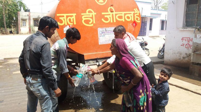 ट्रामा सेंटर में भर्ती मरीजों को नहीं मिल रहा पीने का पानी