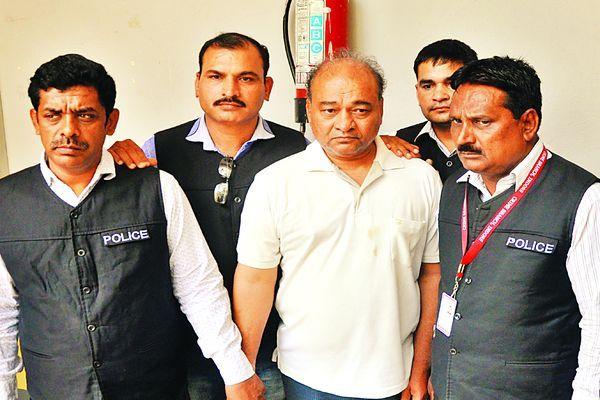 इंदौर पुलिस ने पकड़ा सट्टे का डॉन, 15 मुल्कों की पुलिस को थी तलाश