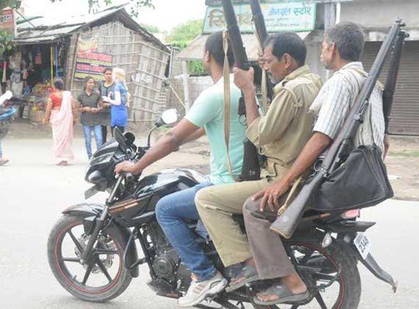 योगीराज में बदमाशों के हौसले बुलन्द, जौनपुर में सिपाही की बन्दूक लूटने की कोशिश