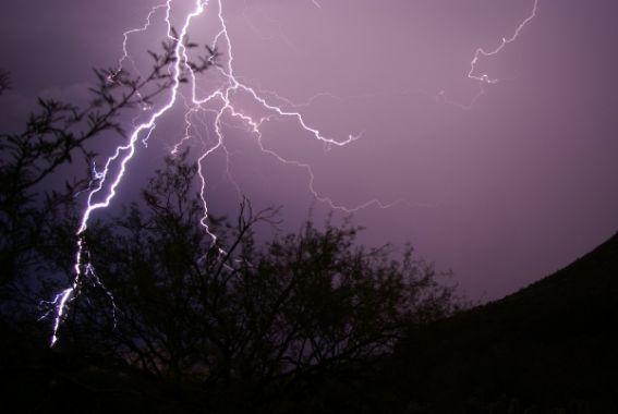 Alert: बिहार में बिजली गिरने से अब तक 28 की मौत