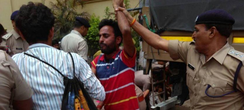 सहारनपुर मामले में योगी का विरोध कर रहे बीएचयू के छात्रों की गिरफ्तारी,मचा बवाल